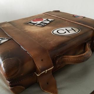Old luggage cake