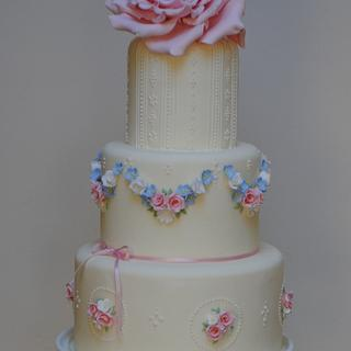 Vintage rose - Cake by Hannah Wiltshire