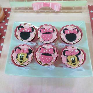 Cupcakes Minnie - Cake by Ana Cristina Santos