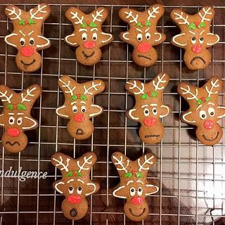 Gingerbread men and reindeer