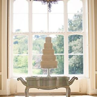 Traditional Wedding Cake With Piped Pearls
