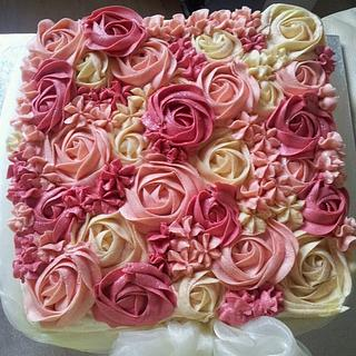 Basket of roses  - Cake by Andrea
