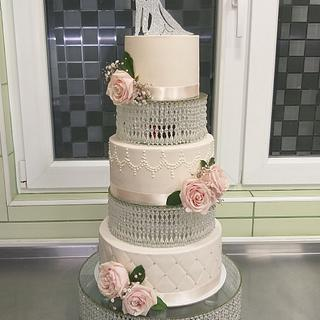 Wedding cake on cristal stand