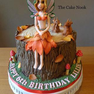 Fairy tree stump cake.