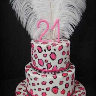 Leopard cake in pink