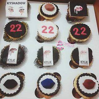 Makeup Lover Cupcakes - Cake by Risha