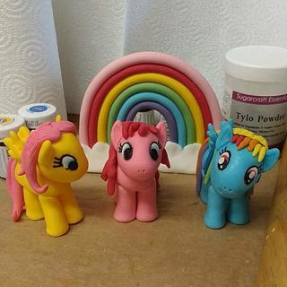 My little pony fondant models. - Cake by Bouchybakes