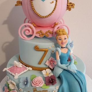 Cinderella - Cake by silviacucinelli