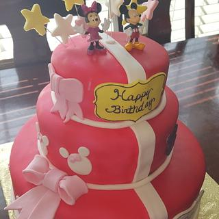 Minnie and mickey mouse cake