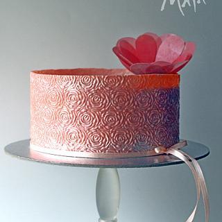 Summery-flowery salmon pink cake!