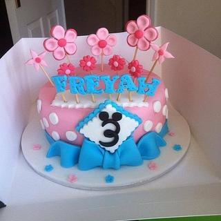 Blue & Pink girls cake