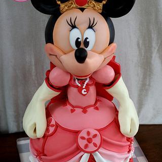 Queen Minnie, Her Highness!
