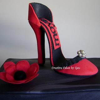 Sugarpaste Mini high heel Cake topper