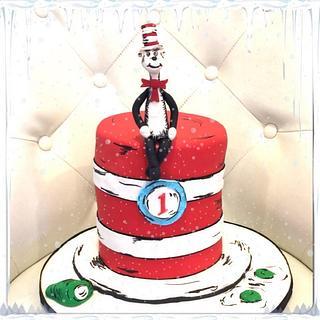 Dr.Seuss cat in the hat - Cake by Sweettreatsbyortal