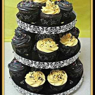 Graduation Cupcakes - Cake by FiasCreations