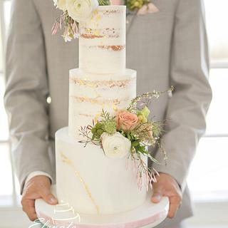 Styled Wedding Cake in Pastel Pink and Gold