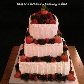 A very Berry Wedding - Cake by Sharon Cooper