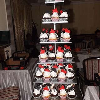 Playing cards wedding cupcakes