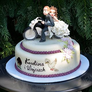 young couple on a motorcycle - Cake by Anna Krawczyk-Mechocka