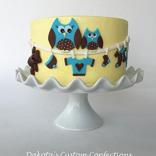 Owl clothesline baby shower cake
