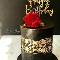 Black and gold fault line cake