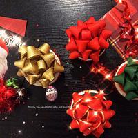 Christmas Bow Cupcakes