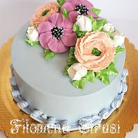 Whippingcream flowe cake
