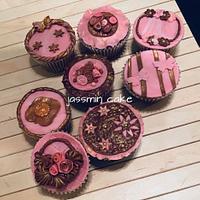 Classy elegant cupcake