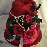 Birthday's cake with sugar flowers