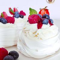 Mini Pavlova cakes by Emily's Bakery