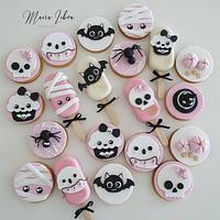 Halloween by Maira Liboa