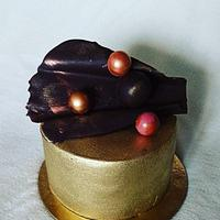 Small gold cake