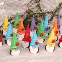 Mini cakes Gnomes