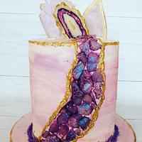 Sugar crystal geode cake