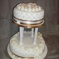 Gold & Ivory wedding cake