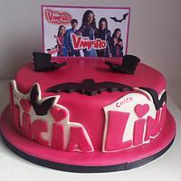 Chica Vampiro cake