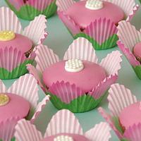 Cupcake flowers by Deema