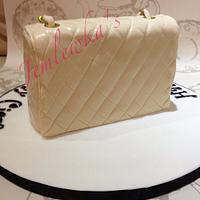 Chanel handbag cake by Jemlewka's cupcakes