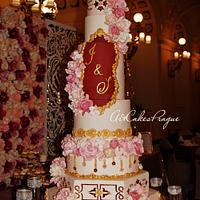8 tiered cake for the Persian wedding in Prague