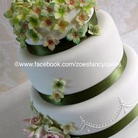 Hydrangea and rose wedding cake
