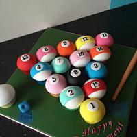 Pool table balls cupcskes