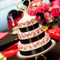 3 Tiered piped design wedding cake by Amanda