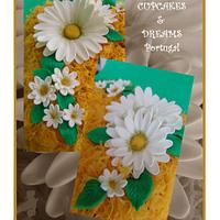 ANCIENT CONVENTUAL ALMOND CAKE WITH DAISIES IN EGG'S STRANDS...