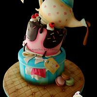 Topsy Turvy Cake with Airbrush