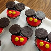Mickey Mouse Cupcakes by Claudia Amezcua