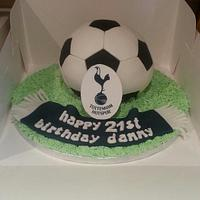 Spurs football cake by Lou Lou's Cakes