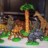 Gum Paste, Animals , Hand painted.