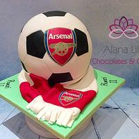 Completely spherical football cake - Arsenal