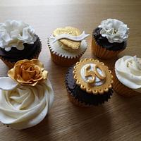 50th Golden Wedding Anniversary Cupcakes