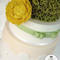 Lemon & green wedding cake